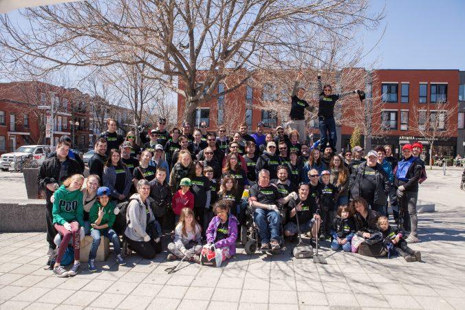 Photo d'un groupe de citoyens ayant participé à une corvée de nettoyage